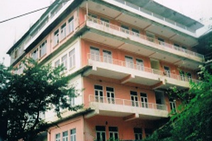 https://cache.careers360.mobi/media/colleges/social-media/media-gallery/28838/2020/3/20/Campus-View of Modern Nursing College Shimla_Campus-View.png