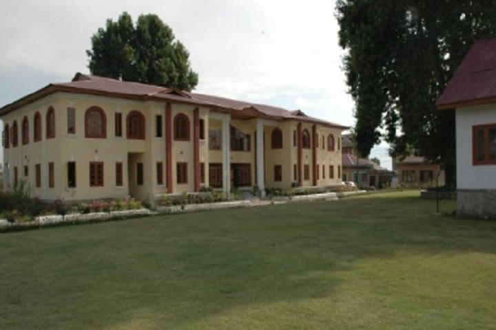 https://cache.careers360.mobi/media/colleges/social-media/media-gallery/28858/2020/10/8/Campus view of Craft Development Institute Srinagar_Campus-View.jpg