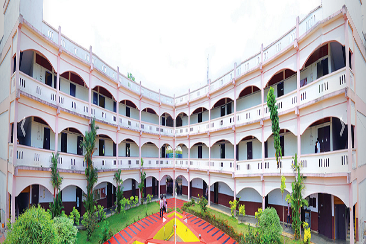https://cache.careers360.mobi/media/colleges/social-media/media-gallery/29044/2020/6/22/Campus view of KMEA College of Arts and Science Ernakulam_Campus-view.png