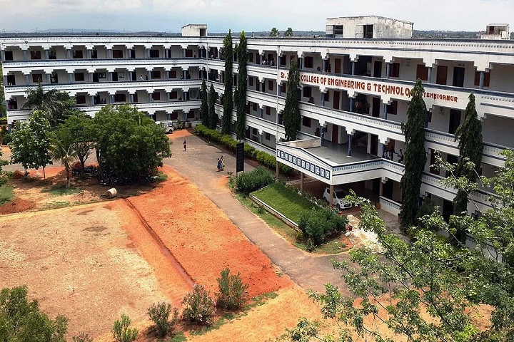 https://cache.careers360.mobi/media/colleges/social-media/media-gallery/2908/2019/2/23/Campus Building of St Johns College of Engineering and Technology Kurnool_Campus-view.JPG