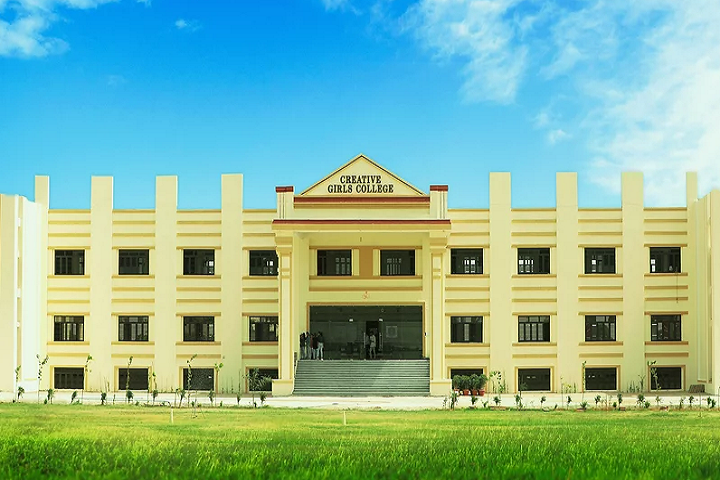 https://cache.careers360.mobi/media/colleges/social-media/media-gallery/29387/2020/8/21/Campus view of Creative Girls College Gangapur City_Campus-view.png