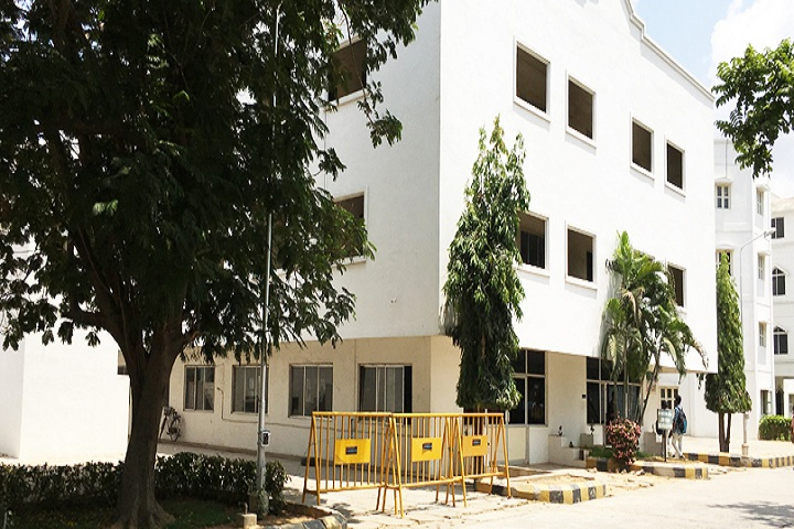 https://cache.careers360.mobi/media/colleges/social-media/media-gallery/2982/2020/9/9/Campus View of Sri Muthukumaran Institute of Technology Chennai_Campus-View.jpg