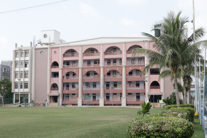 https://cache.careers360.mobi/media/colleges/social-media/media-gallery/30590/2020/9/3/Campus view of JG College of Nursing Ahmedabad_Campus-View.jpg