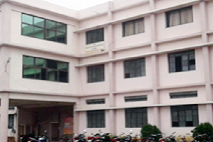 https://cache.careers360.mobi/media/colleges/social-media/media-gallery/30773/2020/9/10/Campus view of College of Computer Science and Information Technology Ambajogai_Campus-view.png