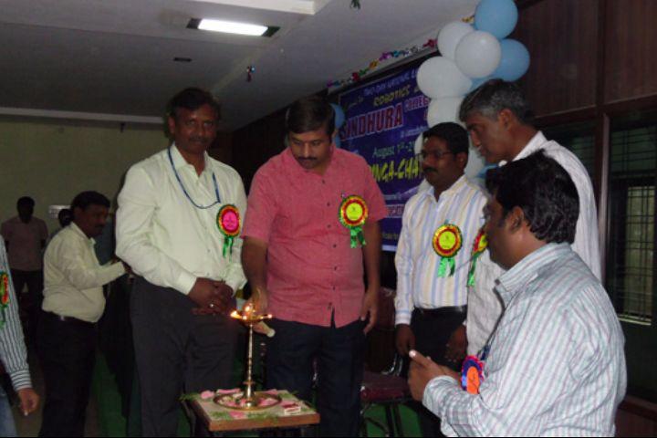 https://cache.careers360.mobi/media/colleges/social-media/media-gallery/3078/2017/4/11/Sindhura-College-of-Engineering-and-Technology-Karim-Nagar12.jpg