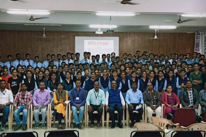 https://cache.careers360.mobi/media/colleges/social-media/media-gallery/30839/2020/10/17/Students of HH Sri Sri Murlidhara Swamiji College of Agriculture Malegaon_Events.jpg