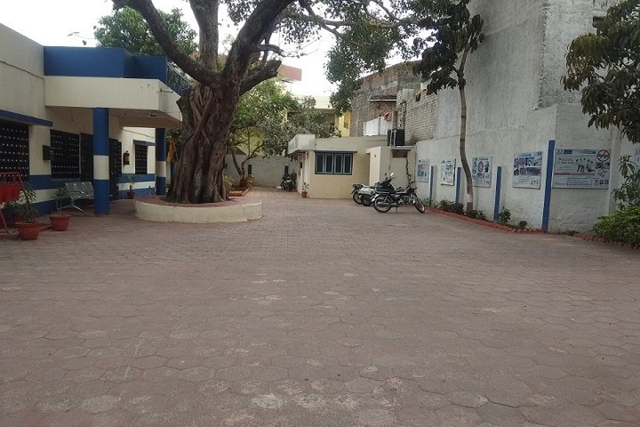 https://cache.careers360.mobi/media/colleges/social-media/media-gallery/30922/2020/9/7/Side view of Omega College of Professional Studies Ujjain_Campus-view.jpg