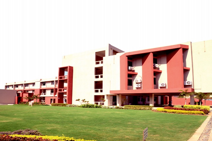 https://cache.careers360.mobi/media/colleges/social-media/media-gallery/3095/2020/9/14/Campus of Shroff SR Rotary Institute of Chemical Technology Bharuch_Campus-View.jpg