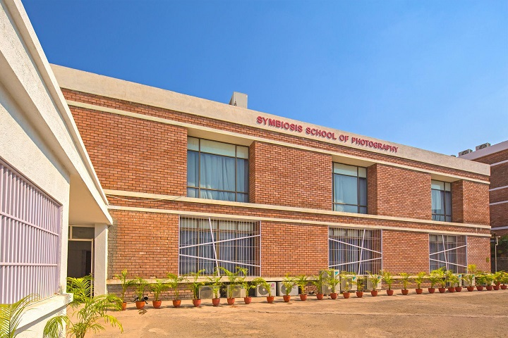 https://cache.careers360.mobi/media/colleges/social-media/media-gallery/30974/2020/10/19/Campus view of Symbiosis School of Photography Pune_Campus-view.jpg