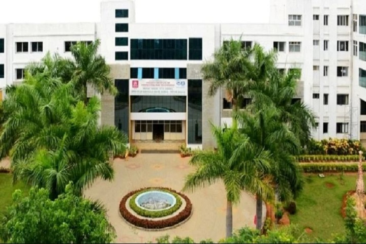 https://cache.careers360.mobi/media/colleges/social-media/media-gallery/3099/2019/2/19/Campus view of Shridevi Institute of Engineering and Technology, Tumkur_Campus-view.JPG