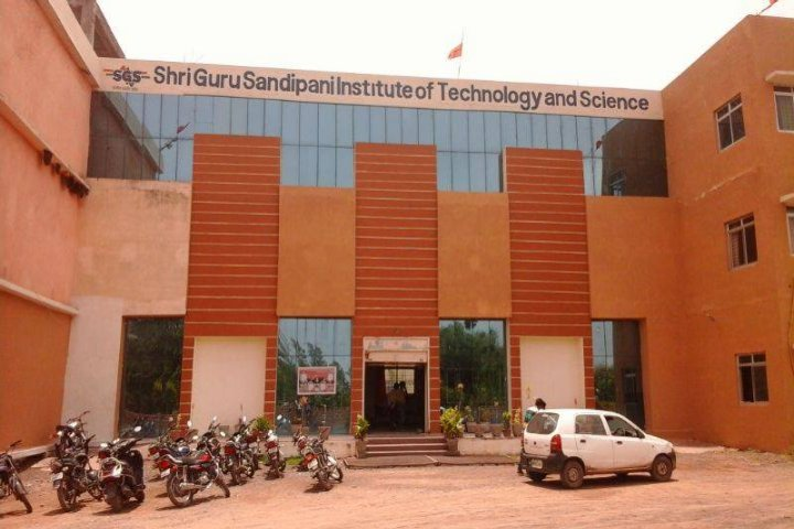 https://cache.careers360.mobi/media/colleges/social-media/media-gallery/3131/2019/6/6/College Building View of Shri Guru Sandipani Institute of Technology and Science Ujjain_Campus-View.jpg