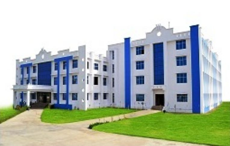 https://cache.careers360.mobi/media/colleges/social-media/media-gallery/3135/2019/1/10/College Bulidding of Shri Girraj Maharaj College of Engineering and Management Mathura_Campus-View.JPG