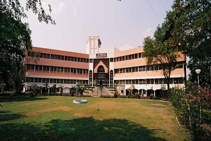 https://cache.careers360.mobi/media/colleges/social-media/media-gallery/31560/2020/10/8/Campus view of College of Nursing Armed Forces Medical College Pune_Campus-view.jpg