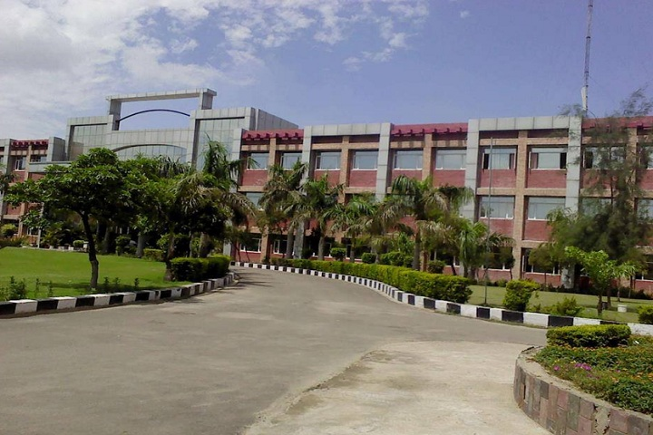 https://cache.careers360.mobi/media/colleges/social-media/media-gallery/3200/2018/10/30/Campus View of Shaheed Udham Singh College of Engineering and Technology Mohali_Campus-View.jpg