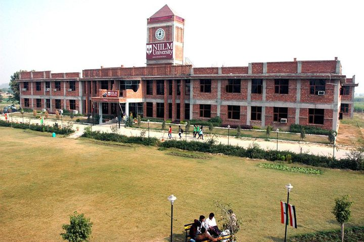 https://cache.careers360.mobi/media/colleges/social-media/media-gallery/323/2019/6/25/Campus View of NIILM University Kaithal_Campus-View.jpg
