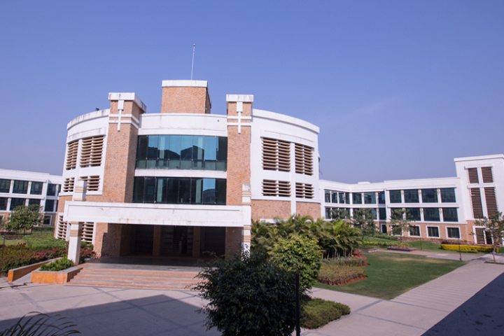 https://cache.careers360.mobi/media/colleges/social-media/media-gallery/3282/2019/3/23/Campus View of Sandip Institute of Engineering and Management Nashik_Campus-View.png