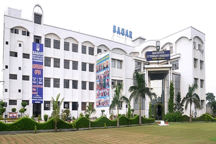 https://cache.careers360.mobi/media/colleges/social-media/media-gallery/3308/2019/3/23/College View of Sagar Institute of Technology and Management Barabanki_Campus-View.JPG