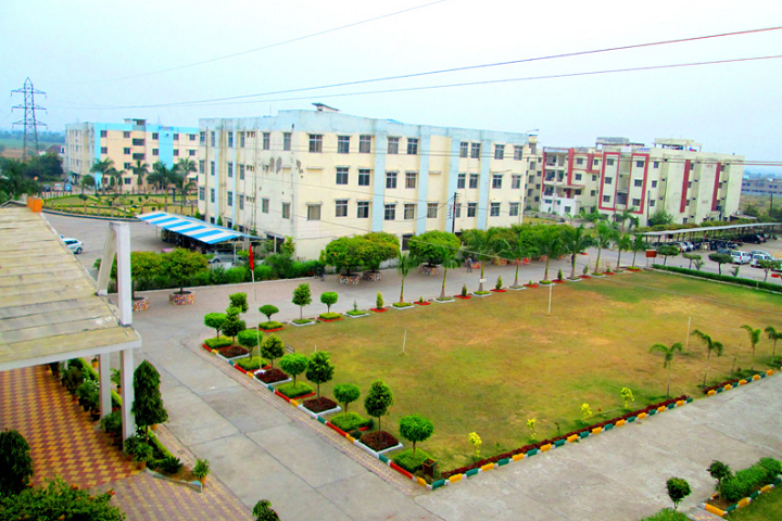 https://cache.careers360.mobi/media/colleges/social-media/media-gallery/3311/2018/11/2/Campus view of Sagar Institute of Research and Technology Excellence Bhopal_Campus-View.png