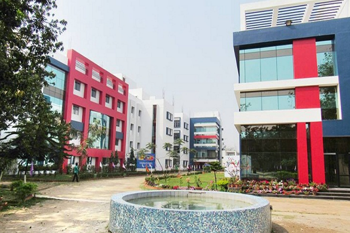 https://cache.careers360.mobi/media/colleges/social-media/media-gallery/3317/2019/3/28/Campus view of Brainware Group of Institutions Kolkata_Campus-View.png