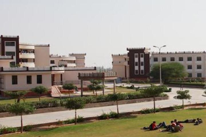 https://cache.careers360.mobi/media/colleges/social-media/media-gallery/332/2019/7/16/Campus view 5 of Jagannath University Jaipur_Campus-View.jpg