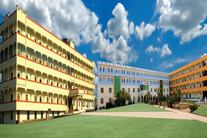https://cache.careers360.mobi/media/colleges/social-media/media-gallery/3344/2019/2/25/Campus View of Sri Indu Institute of Engineering and Technology Ibrahimpatnam_Campus-view.jpg