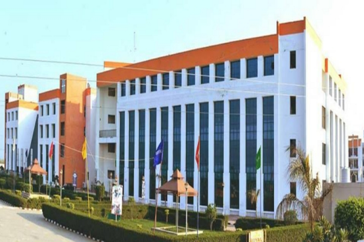 https://cache.careers360.mobi/media/colleges/social-media/media-gallery/3352/2019/4/3/Campus View of Rayat-Bahra Royal Institute of Management and Technology Sonipat_Campus View.png