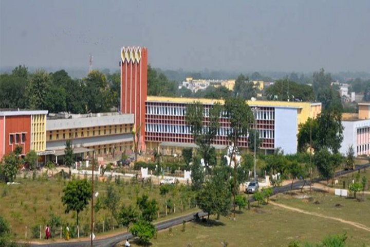 https://cache.careers360.mobi/media/colleges/social-media/media-gallery/3375/2019/3/19/Campus View of Rewa Engineering College Rewa_Campus-View.jpg