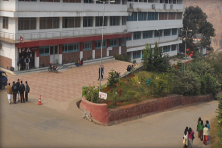 https://cache.careers360.mobi/media/colleges/social-media/media-gallery/3377/2019/4/1/Campus view of Regional Institute of Science and Technology Meghalaya_Campus-View.png