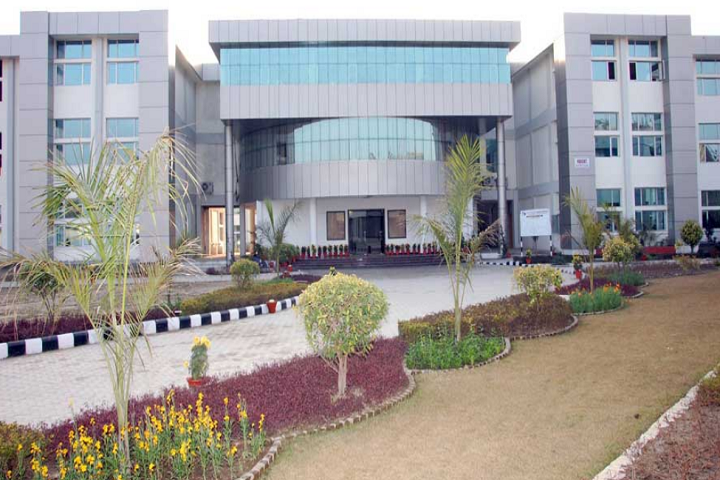 https://cache.careers360.mobi/media/colleges/social-media/media-gallery/3382/2019/4/1/Campus view of Rayat and Bahra Institute of Engineering and Nano Technology Hoshiarpur_Campus-view.png