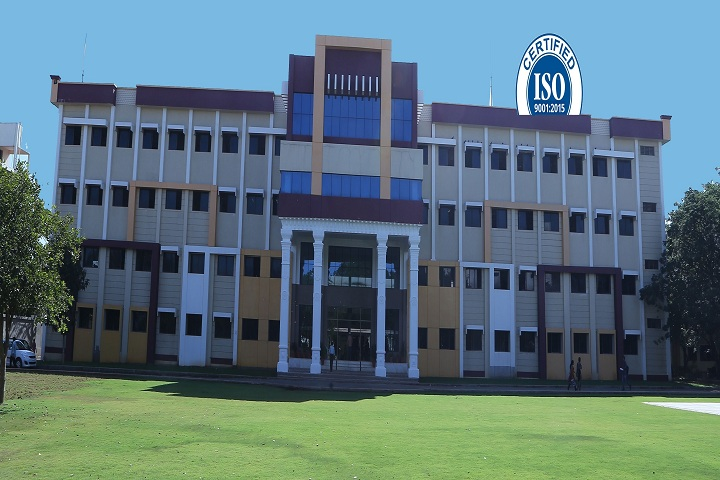 https://cache.careers360.mobi/media/colleges/social-media/media-gallery/3387/2019/2/19/Campus View of Ravindra College of Engineering for Women Kurnool_Campus-View.jpg
