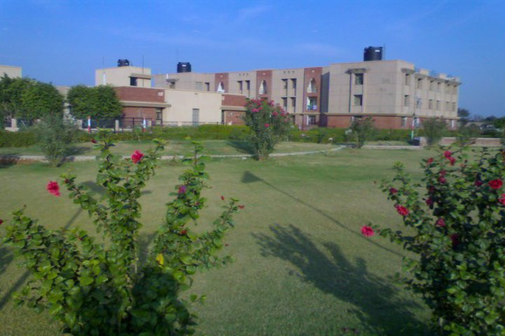 https://cache.careers360.mobi/media/colleges/social-media/media-gallery/339/2019/1/6/Campus View of Singhania University Jhunjhunu_Campus-View.jpg