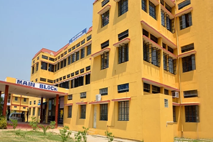 https://cache.careers360.mobi/media/colleges/social-media/media-gallery/3411/2019/2/19/Campus View of Rajiv Gandhi College of Engineering Sriperumbudur_Campus-View.png