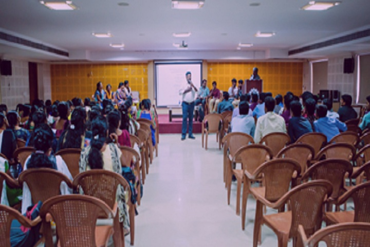 https://cache.careers360.mobi/media/colleges/social-media/media-gallery/3426/2018/8/10/Rajalakshmi-Engineering-College-Chennai-(14).jpg