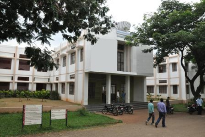 https://cache.careers360.mobi/media/colleges/social-media/media-gallery/3448/2019/7/1/Campus View of RTE Societys Rural Engineering College Hulkoti_Campus-View.jpg