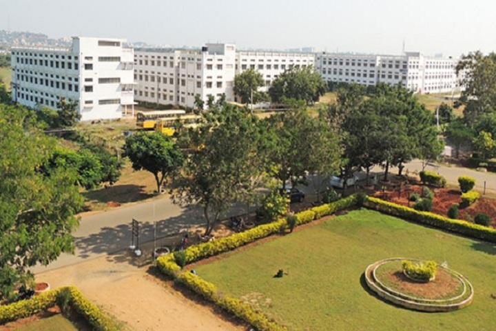 https://cache.careers360.mobi/media/colleges/social-media/media-gallery/3461/2019/3/14/Campus view of QIS College of Engineering and Technology, Ongole_Campus-view.JPG