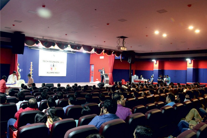 https://cache.careers360.mobi/media/colleges/social-media/media-gallery/3533/2019/3/23/Auditorium of Pillai College of Engineering New Panvel_Auditorium.jpg