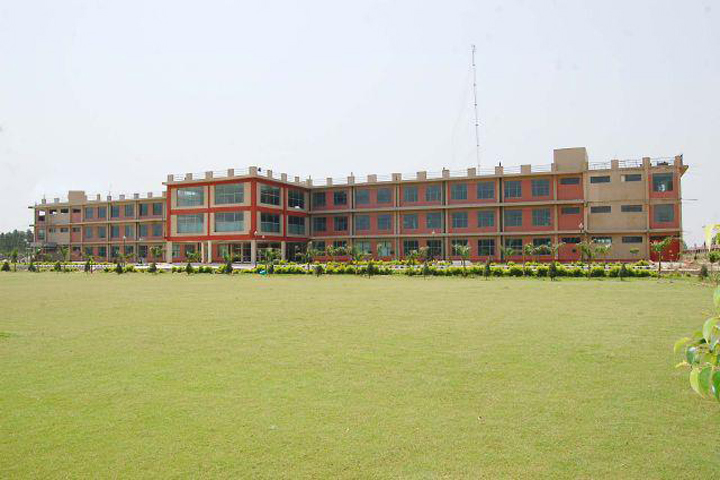 https://cache.careers360.mobi/media/colleges/social-media/media-gallery/3564/2018/9/17/Campus View of Panchkula Engineering College Panchkula_Campus-View.jpg