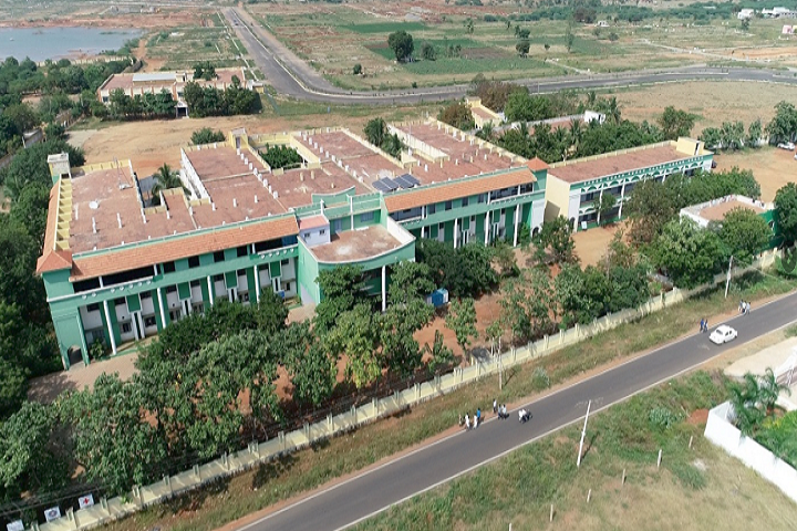 https://cache.careers360.mobi/media/colleges/social-media/media-gallery/3587/2020/9/5/Campus-View of PTR College of Engineering and Technology Madurai_Campus-View.png