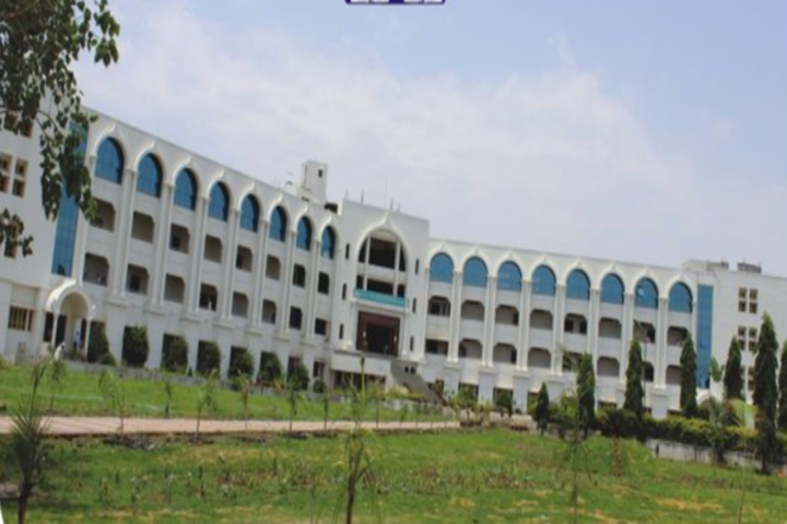 https://cache.careers360.mobi/media/colleges/social-media/media-gallery/3596/2018/9/26/Campus view of PES College of Engineering Aurangabad_Campus-View.png