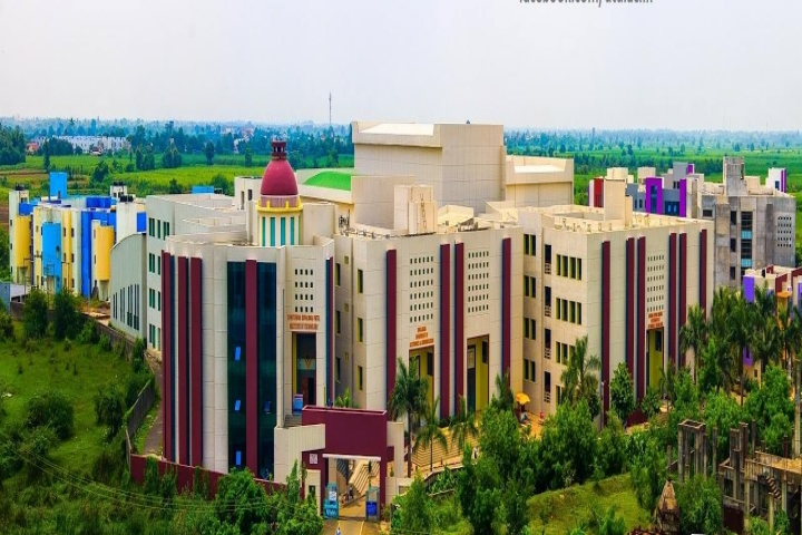 https://cache.careers360.mobi/media/colleges/social-media/media-gallery/363/2018/9/7/Campus of Uka Tarsadia University Bardoli_Campus-View.jpg