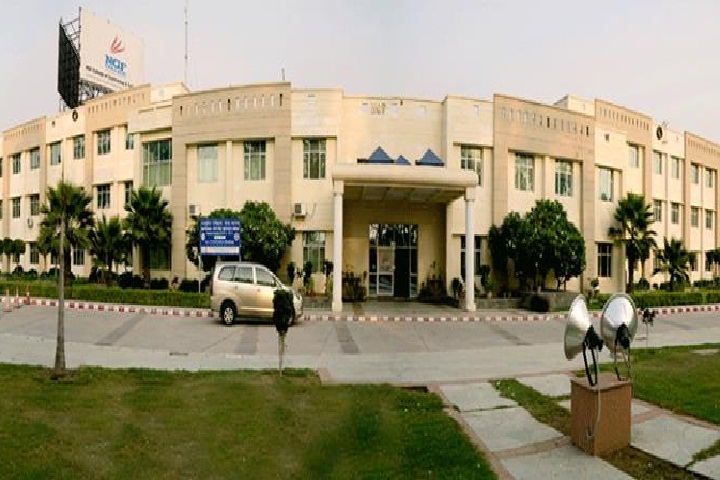 https://cache.careers360.mobi/media/colleges/social-media/media-gallery/3644/2018/10/9/Campus View of NGF College of Engineering and Technology Palwal_Campus-View.jpg