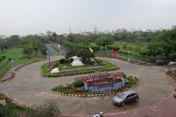 https://cache.careers360.mobi/media/colleges/social-media/media-gallery/3653/2018/7/18/Netaji-Subhas-Institute-of-Technology-Delhi-Campus5.jpg