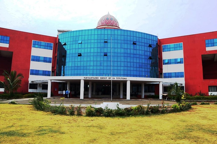 https://cache.careers360.mobi/media/colleges/social-media/media-gallery/3661/2019/4/2/Campus View of Navsahyadri Group of Institutes Pune_Campus-view.jpg