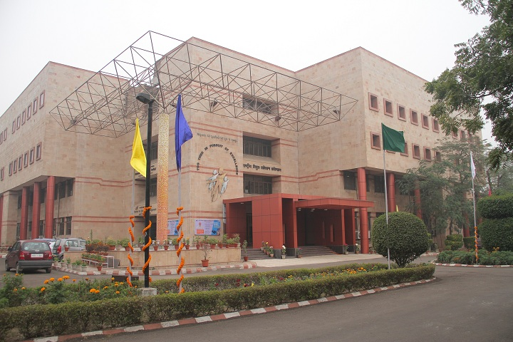 https://cache.careers360.mobi/media/colleges/social-media/media-gallery/3664/2019/1/8/Campus View of National Power Training Institute Faridabad_Campus-View.jpg