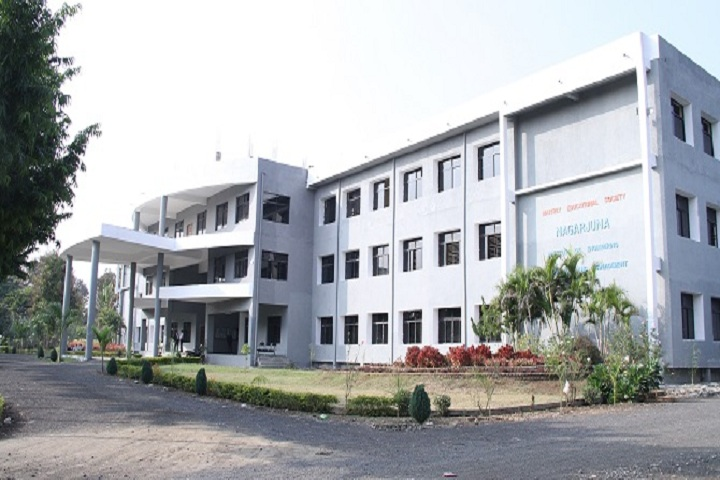https://cache.careers360.mobi/media/colleges/social-media/media-gallery/3694/2019/7/3/Campus View Of Nagarjuna Institute of Engineering Technology and Management Nagpur_Campus-View.jpg