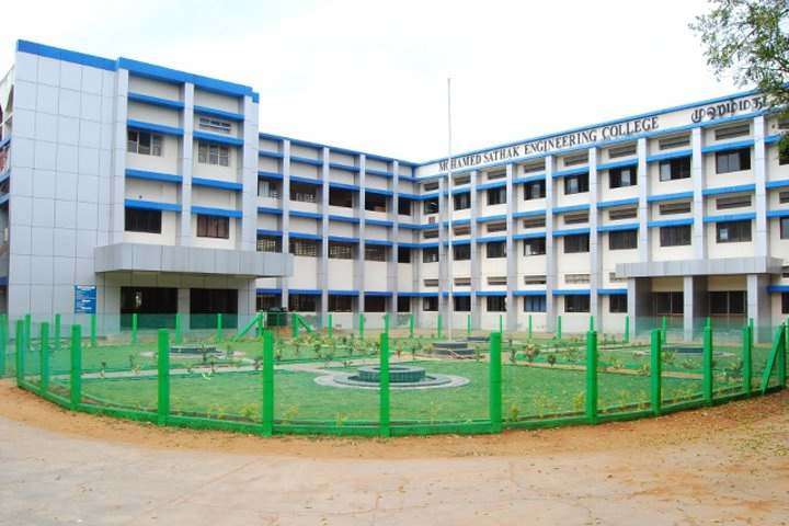https://cache.careers360.mobi/media/colleges/social-media/media-gallery/3725/2019/3/8/Campus View of Mohamed Sathak Engineering College Kilakarai_Campus-View.jpg