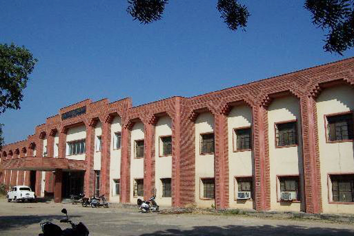 https://cache.careers360.mobi/media/colleges/social-media/media-gallery/3739/2018/7/21/MLV-Government-Textile-and-Engineering-College-Bhilwara-campus-view4.JPG