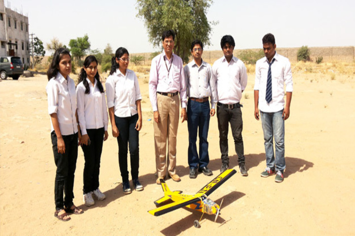 https://cache.careers360.mobi/media/colleges/social-media/media-gallery/3788/2018/7/25/Marwar-Engineering-College-12.jpg