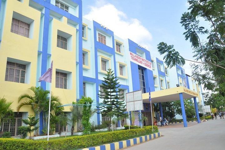 https://cache.careers360.mobi/media/colleges/social-media/media-gallery/3822/2018/11/3/Campus View of Malla Reddy Institute of Technology and Sciences Secunderabad_Campus-View.jpg