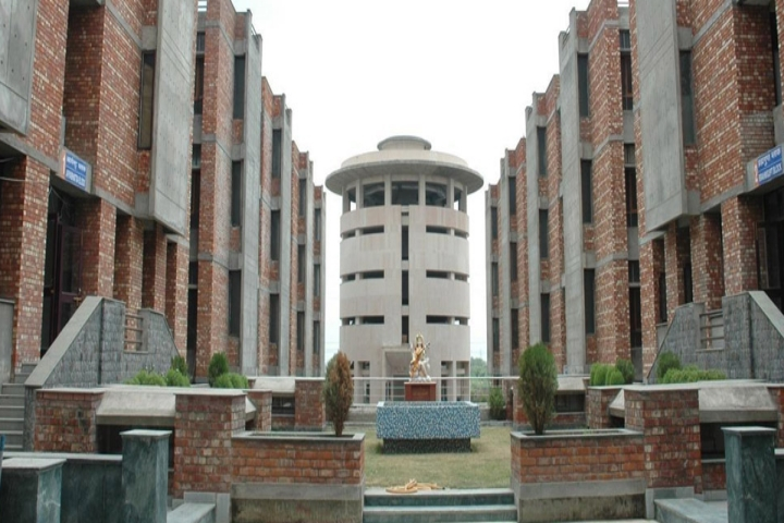 https://cache.careers360.mobi/media/colleges/social-media/media-gallery/3876/2018/11/5/Campus-View of Maharaja Agrasen Institute of Technology, Delhi_Campus-View.jpg